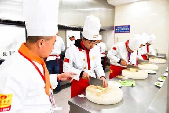 为什么没有烹饪基础的同学,在哈尔滨新东方也能