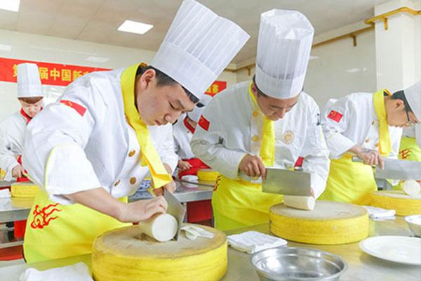 男生学什么技术好?男生学厨师就业如何?