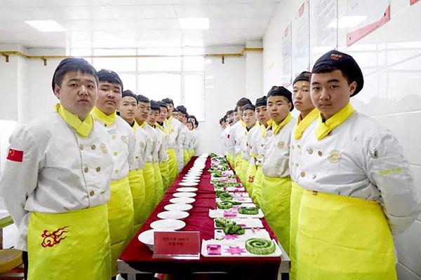 阶段性考核丨想驰骋烹饪江湖,需刀法震场